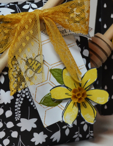 Stampin Up Bee Favor Bag by Kristi @ www.stampingwithkristi.com